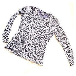 Ladies white leopard long sleeve tee